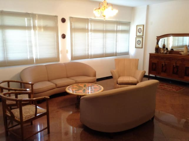 Private room with private bathroom - Cuiabá - Apartemen