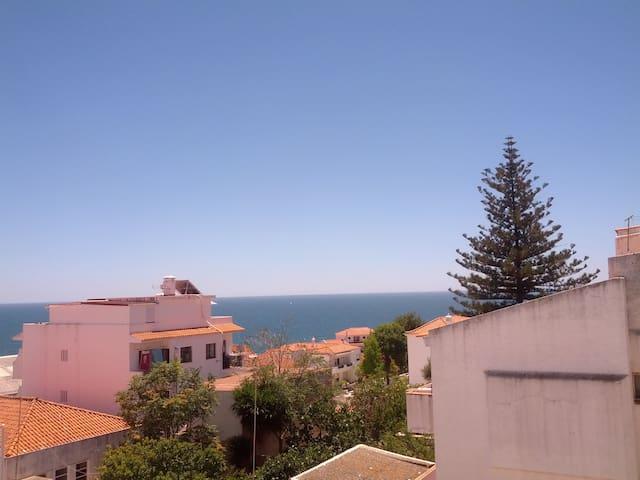 Apartamento T1 - Excelente vista mar