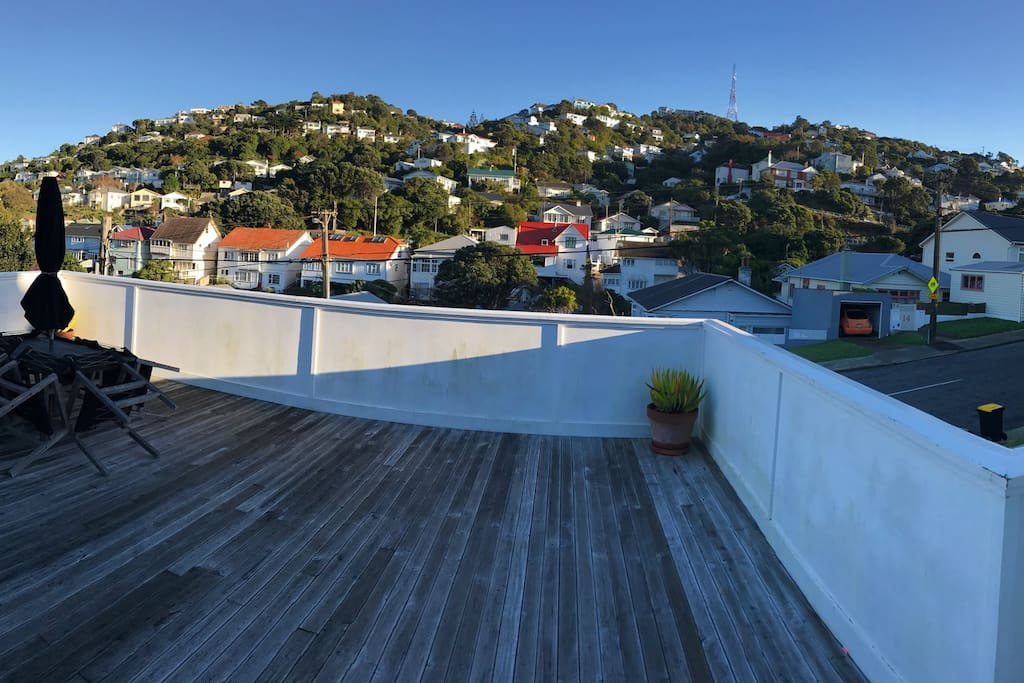 Front deck with views up to Mt Victoria