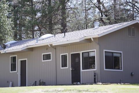 Triangle Park Getaway Cottage