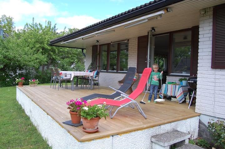 Family villa 270 m2 close to city