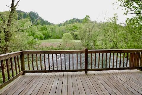 Tellico River Retreat-Cherohala Skyway, Hiking