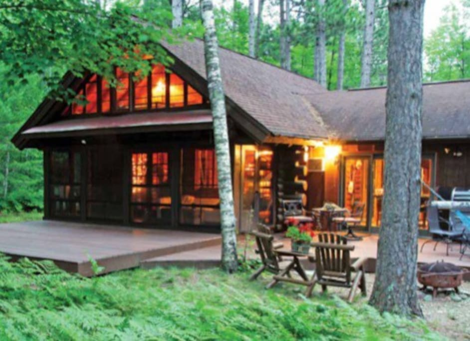 Beautiful cozy lake cabin in woods cabins for rent in manitowish waters wisconsin united states - Cozy outdoor living spaces connecting mother nature ...