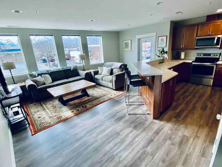 Two bedroom two bath condo on loop trail