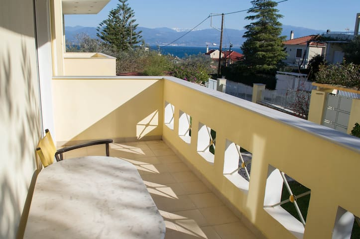 Sea View house, garden, only 90m from the beach
