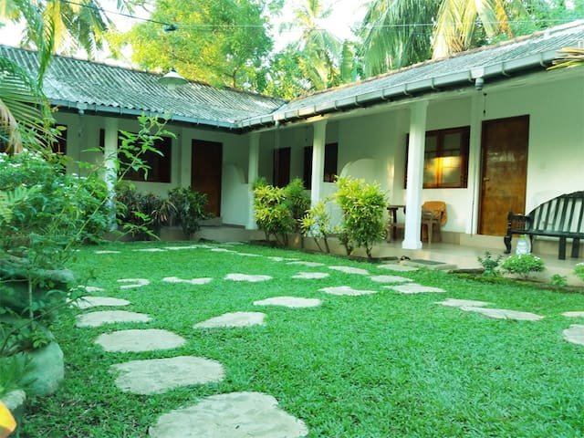 Palm Garden Guest House - Room No 04 - Polonnaruwa
