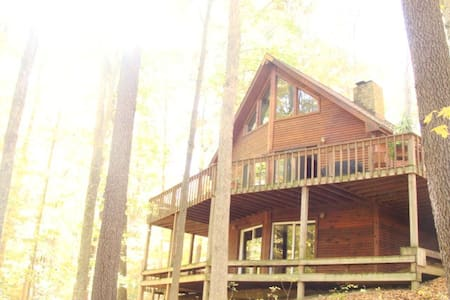 Wooded &Fabulous Brown County Cabin - Nashville - Hytte