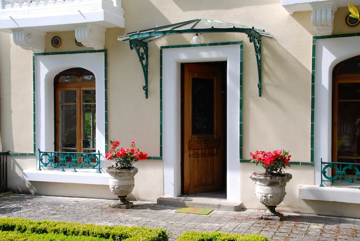 Rooms in charming House - Chadrac - Casa