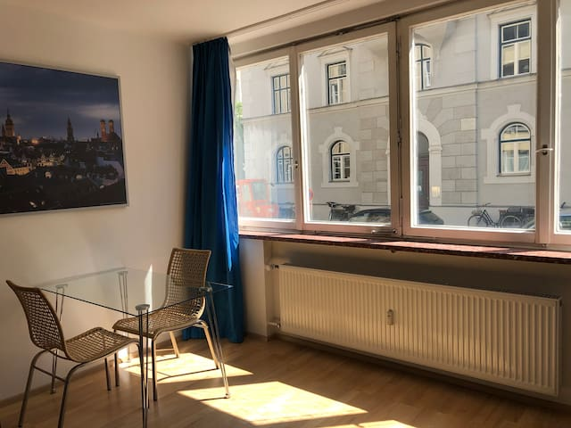 Charmantes Appartement direkt in Schwabing