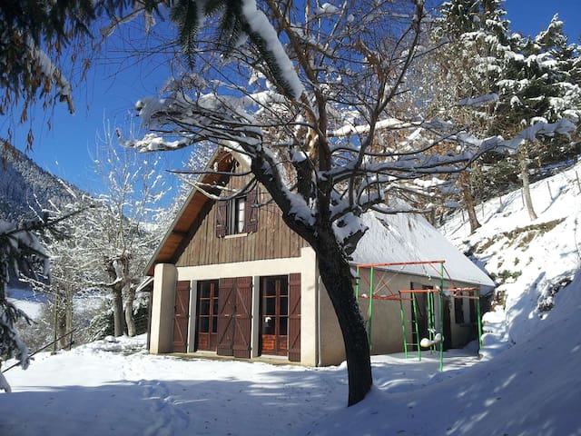 Chalet dans la Vallée d'Oueil -150 m² - 4/8 pers