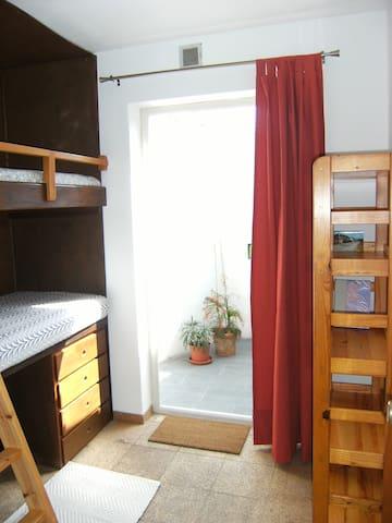 Room (3) - Yard