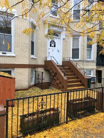 Spacious 4 bedroom/3 bath house in Brooklyn