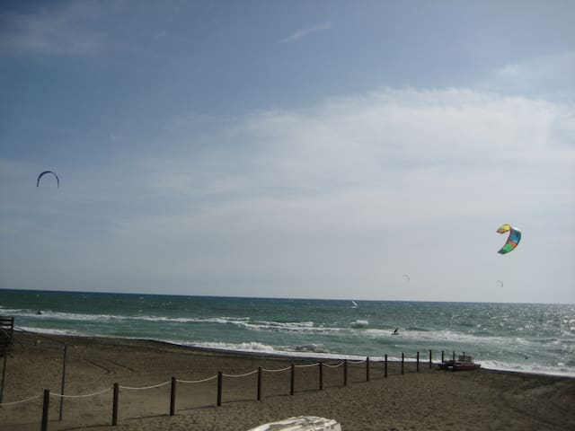 Near Rome a weeknd at the beach? - Borgo Sabotino-foce Verde - Daire