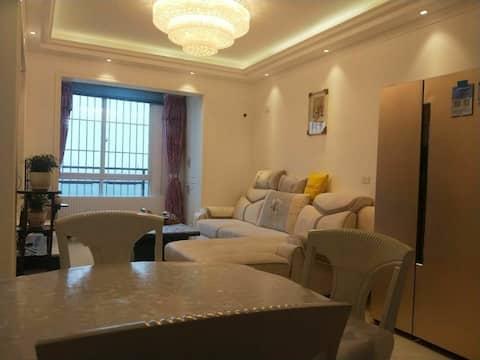 小平故居广安市 临江 落地窗 智能 精装  简欧两居室