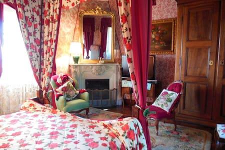 Petali di Rose – Villa Althea B&B - Mango