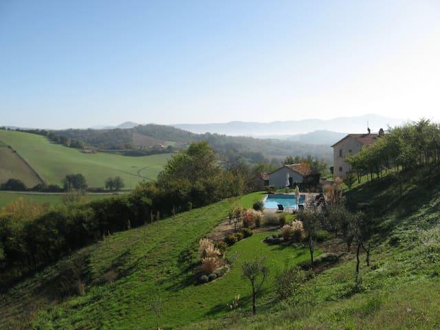 Spectacular Villa and Pool      - Avigliano Umbro - Villa