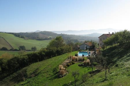 Spectacular Villa and Pool      - Avigliano Umbro - Villa
