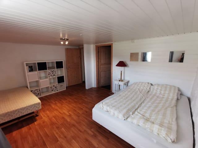 Usland, idyllisk og landlig leilighet