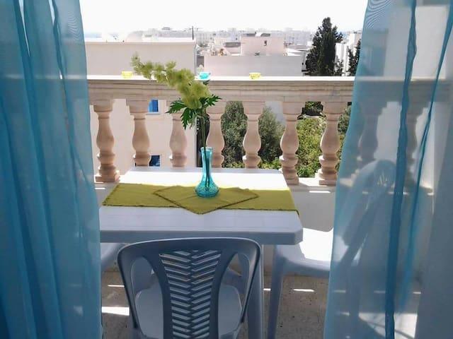 Bel appartement S+3 à 300m de la mer Hammamet nord