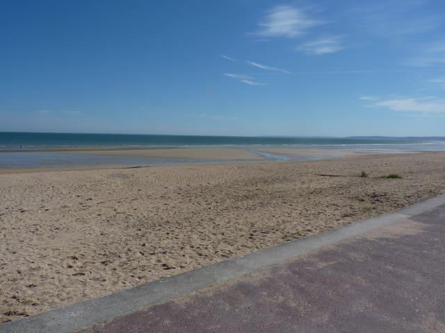 logement à 50 m de la mer ! - Hermanville-sur-Mer - House