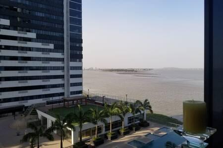 Acogedora suite al pie del Rio Guayas