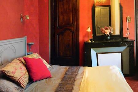 Bedroom Italian Renaissance - Rieux-Minervois