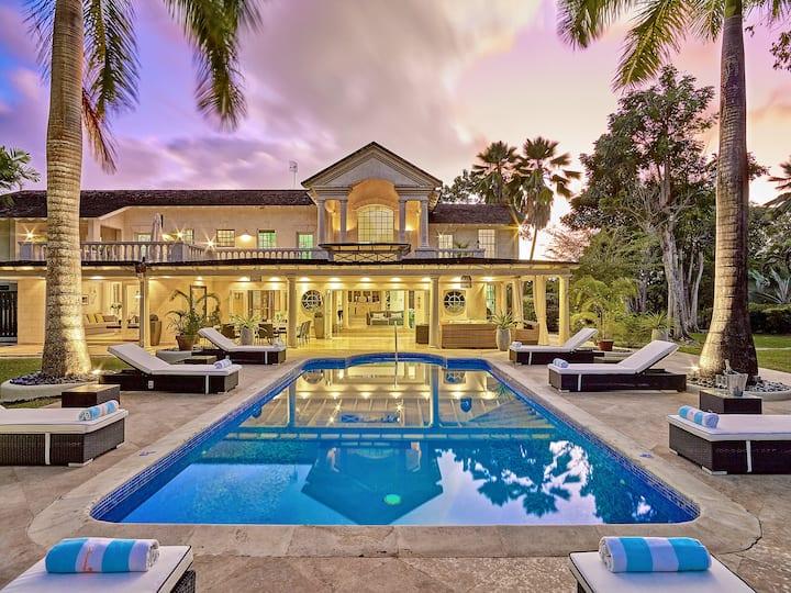 Luxury villa in Sandy Lane close to private beach