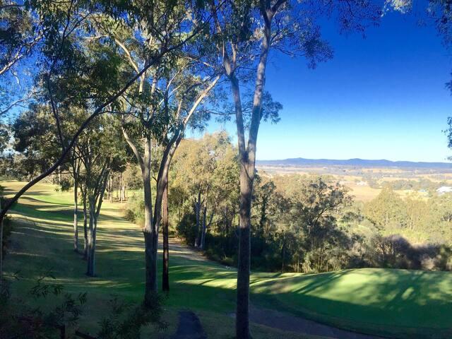 Greenview Villa - 2 Bed Villa at Golf & Spa Resort - Pokolbin - Villa