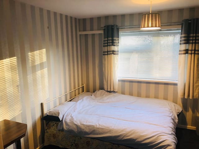 Cozy Double bedroom available close to Harborne !!