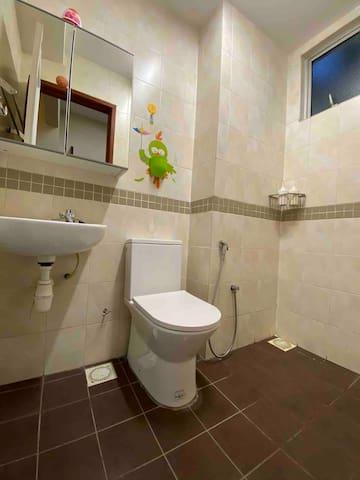 Master bedroom' Toilet