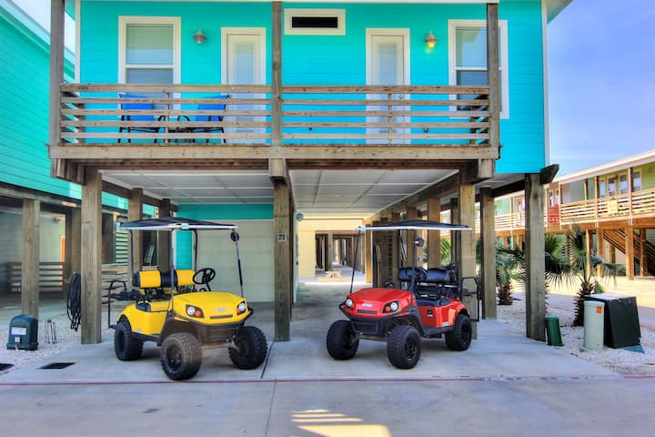Wet-N-Wild: *2 FREE GOLF CARTS, Ice Machine, Pool, Outdoor TV, Bicycles, Game