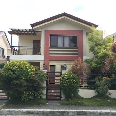 Tagaytay Soto grande getaway home - Tagaytay
