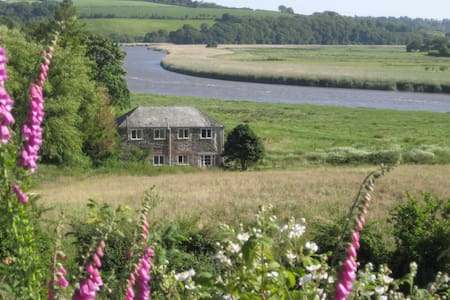 Crab Apple Cottage on the banks of the River Tamar - Bere Alston