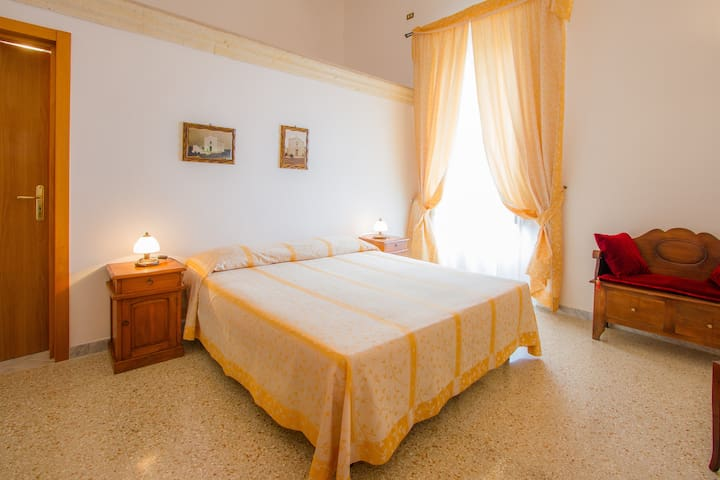 Double Room in historical farm - Salice Salentino