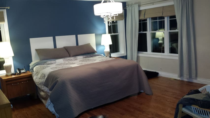 Waterfront Master Suite - Luskville - House