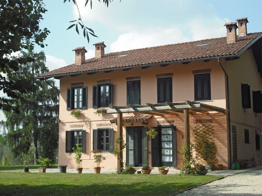 Cottage in campagna nel monferrato case in affitto a san - Colore esterno casa campagna ...