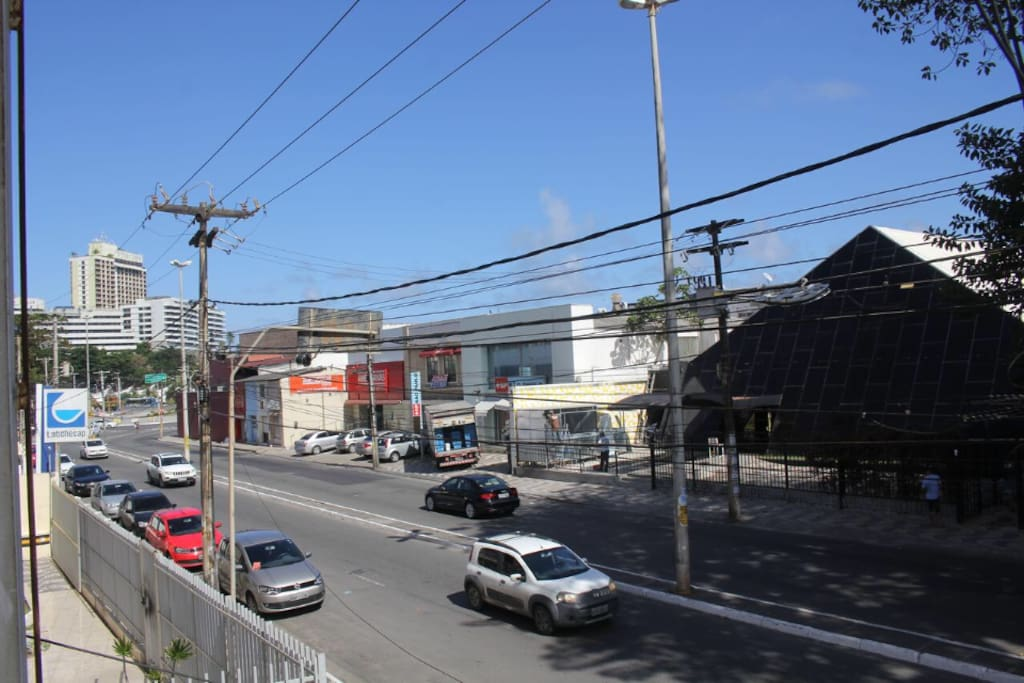 Na mesma rua tem a Lojas Americana, Drogarias São Paulo, Posto Ipiranga, Academias Selfit entre outros!
