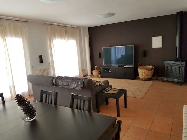 Big apartment in the center of Bagà - Bagà - Apartament