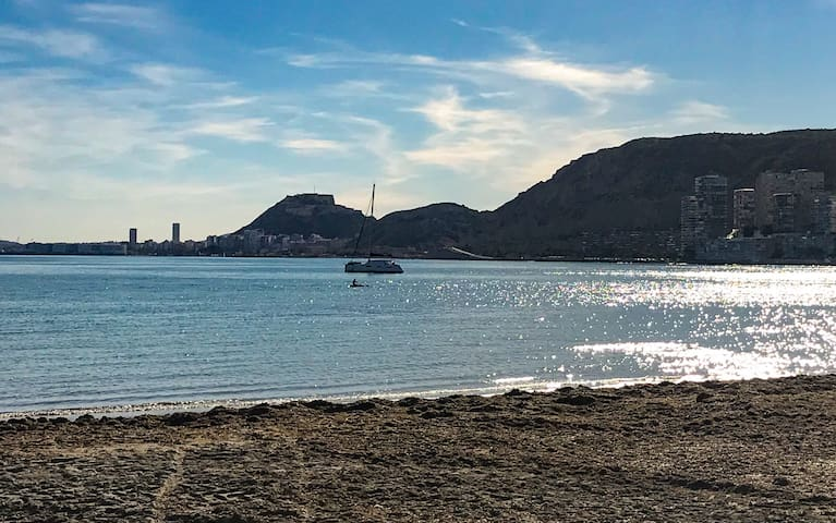 19 Chalet Playa Almadraba en Alicante