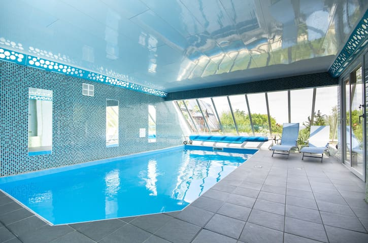 Vue mer et  piscine couverte - Plouha - Apartament