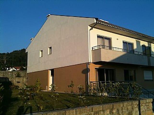 Beautiful spacious family home - Antas - Dom