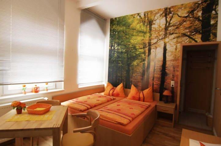 Doppelzimmer 105 Zum Strand 450m - Ostseebad Heringsdorf - Hus