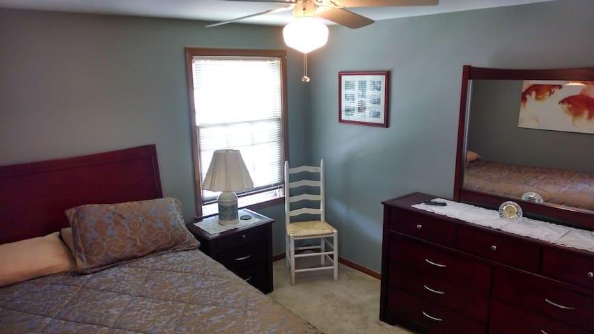 use dresser and nightstand