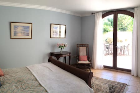 Lovely Double Room, Sotogrande - Puerto Sotogrande - Hus