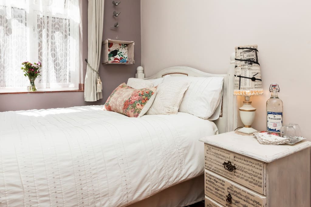 Bed And Breakfast Canada Water London