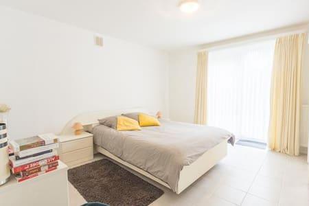 Grand appartement simpa dans un endroit verdoyant - Overijse - Lägenhet