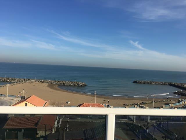 Appartement et terrasse vue mer
