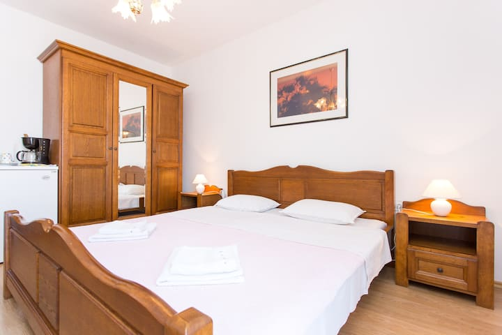 Room Esperanza Baška 3 - Baška - Bed & Breakfast
