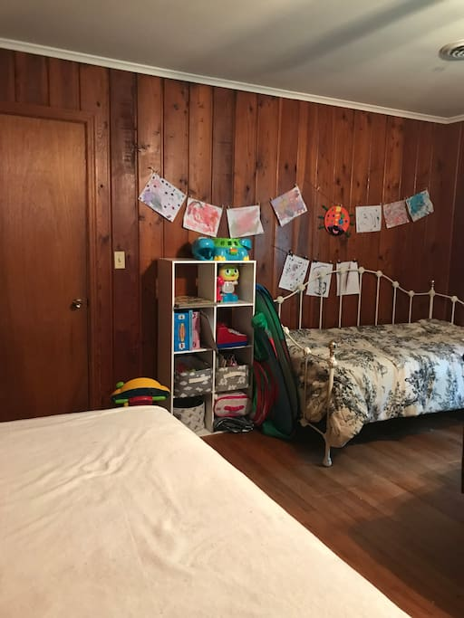 2 twin beds in playroom