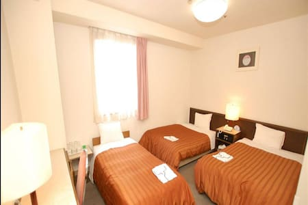 3min->JR Machida Sta/Triple Non-smoking Room +WiFi